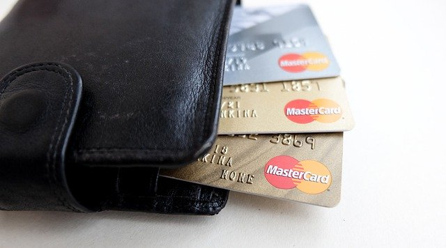 banking-4896671_640
